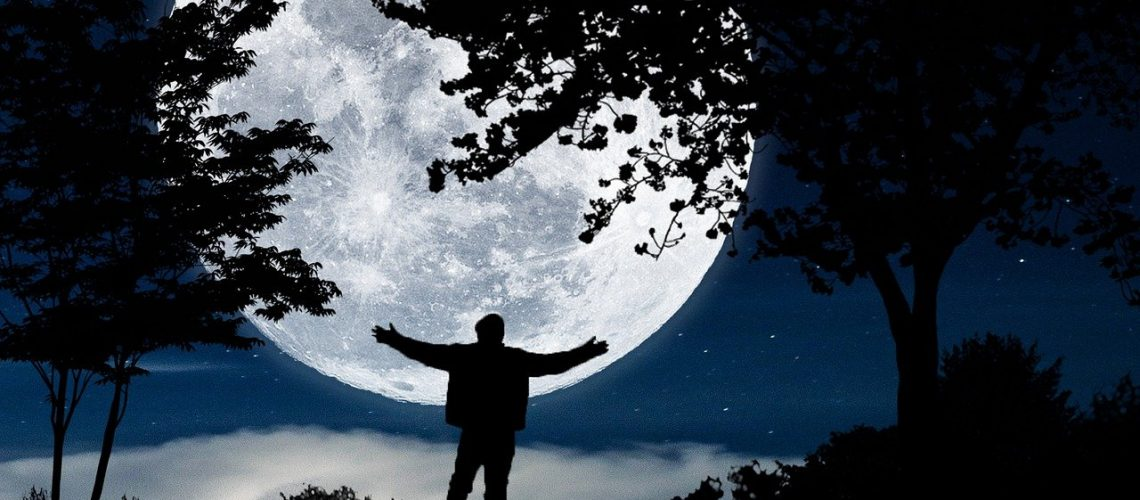 moonlight-5328900_1280